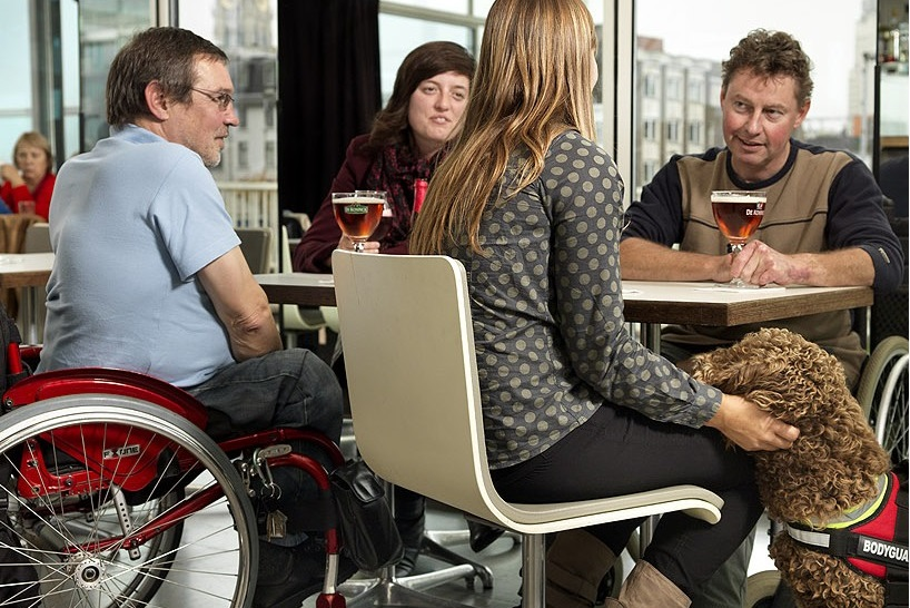how to find a wheelchair accessible restaurant near me